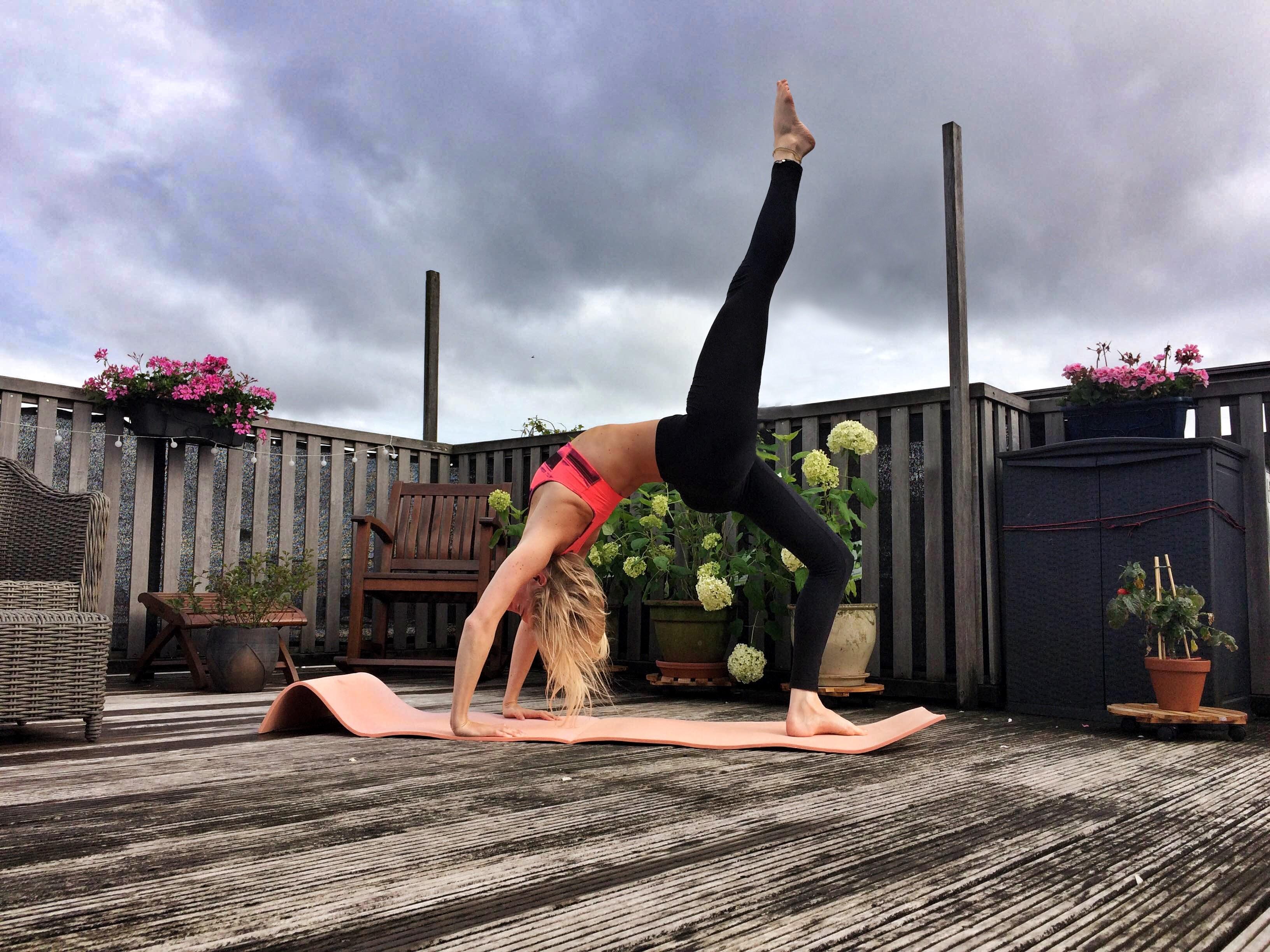 twist houding yoga